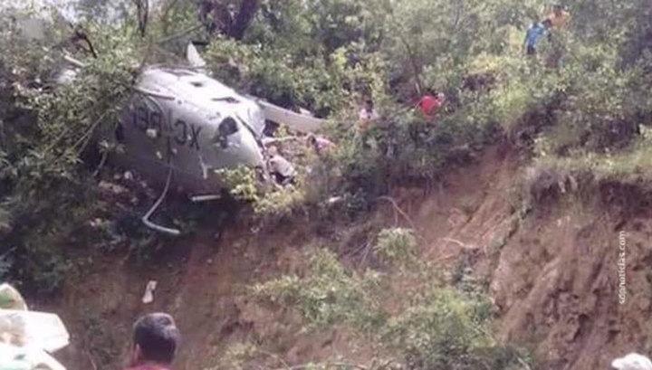 В Мексике разбился вертолет спасателей: один человек погиб