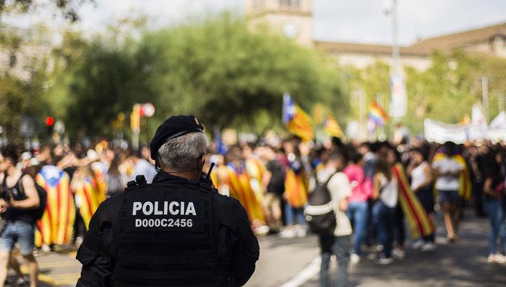 У избирательного участка в Каталонии подстрелили четырех человек