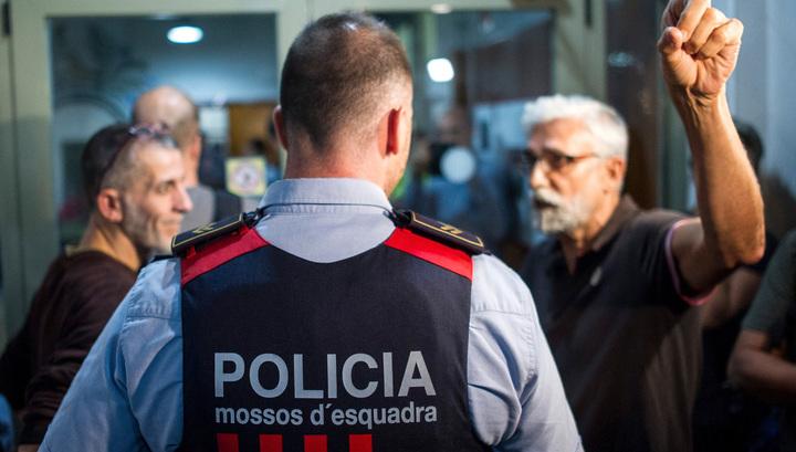 Каталонские полицейские застрелили напавшего на них с ножом алжирца