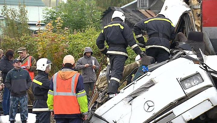 ДТП с поездом: пассажиры погибли из-за слабого аккумулятора в 27-летнем автобусе