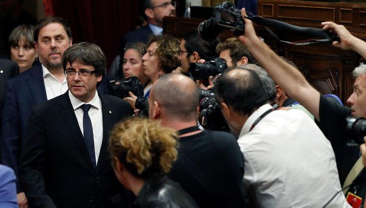 Независимость на время откладывается: глава Каталонии призвал к диалогу с Мадридом