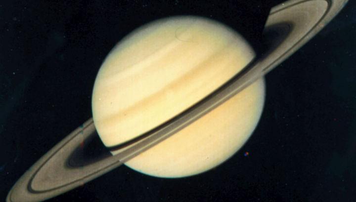 Планета Сатурн всё ещё полна загадок.