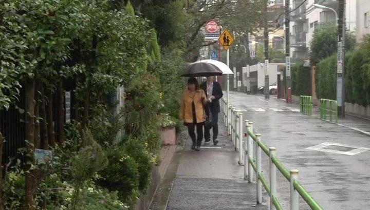 """На Японию обрушился убийственный тайфун """"Лан"""""""