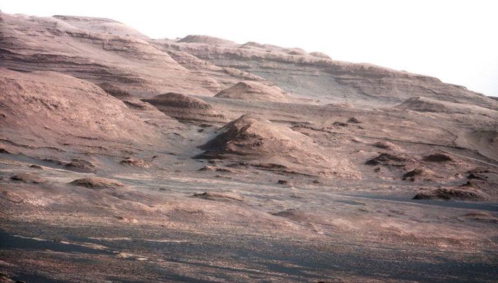 По мнению многих специалистов, на Марсе в прошлом обильно присутствовала жидкая вода.