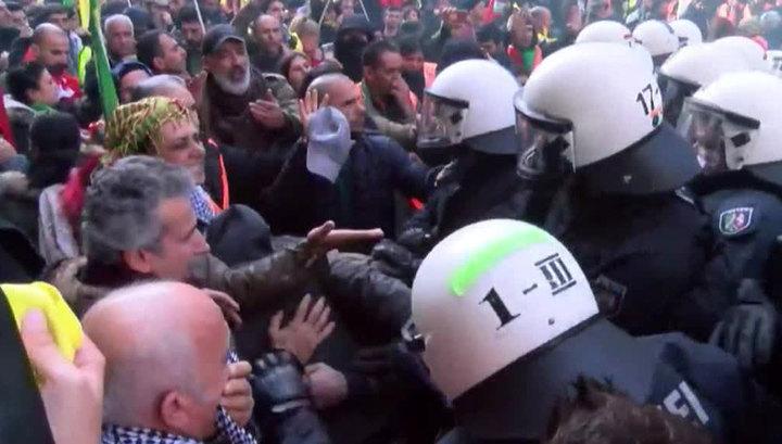 Митинг курдов в Дюссельдорфе обернулся беспорядками