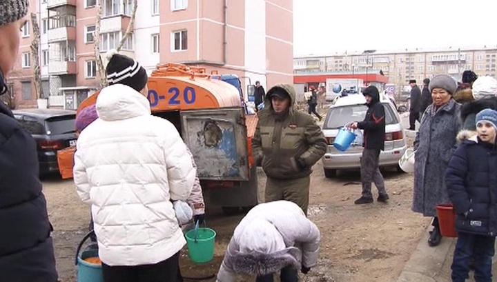 Жителям Улан-Удэ начали давать воду