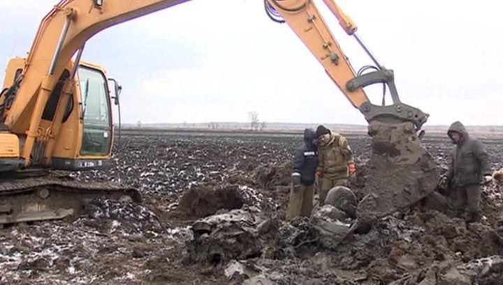 Эхо войны: приморские поисковики подняли из болота самолет Пе-2