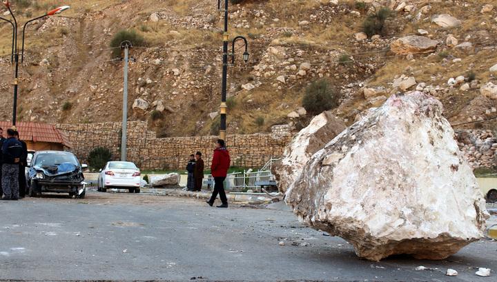 Землетрясение в Иране: число жертв растет
