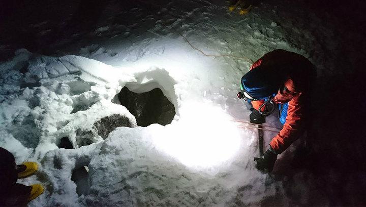 Альпинист выжил, просидев пять дней на дне расщелины в Альпах