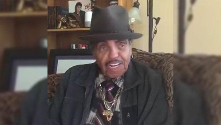 Отец Майкла Джексона пожелал выздоровления не тому внуку