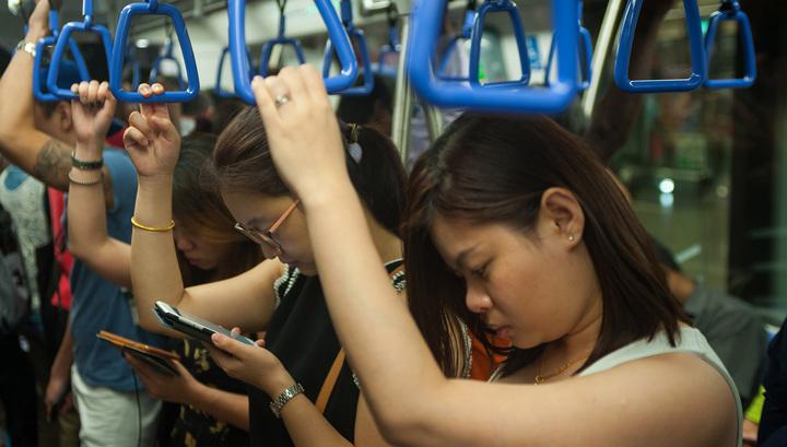 Молния поразила поезд метро в Сингапуре