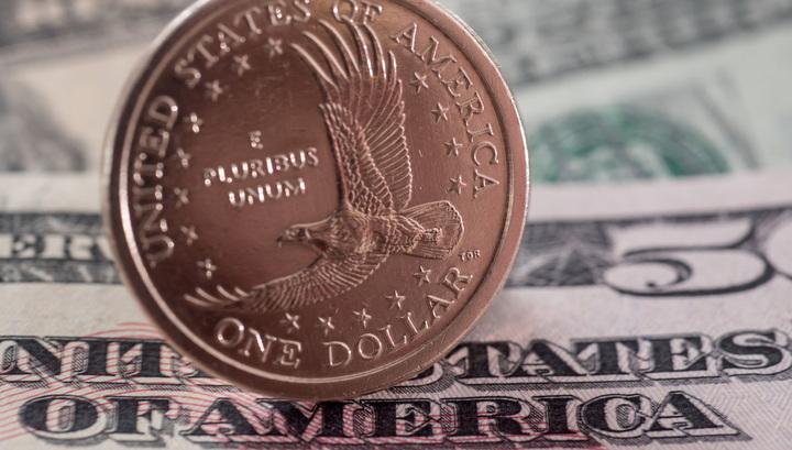 Торги на Мосбирже открылись снижением индексов, доллар превысил 67 рублей