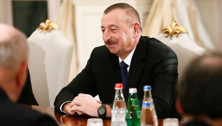 Путин передал Алиеву самые теплые приветы