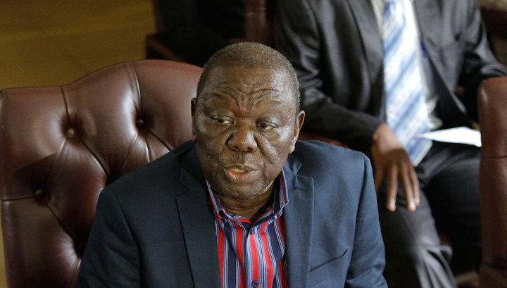 Лидер оппозиции Зимбабве потрясен: Мугабе подвел всю нацию