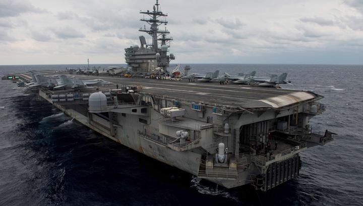 Крушение у Окинавы: ВМС США надеются, что 11 человек выжили