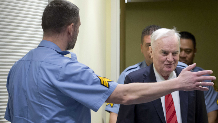 Младича удалили за непристойное поведение и дали пожизненное