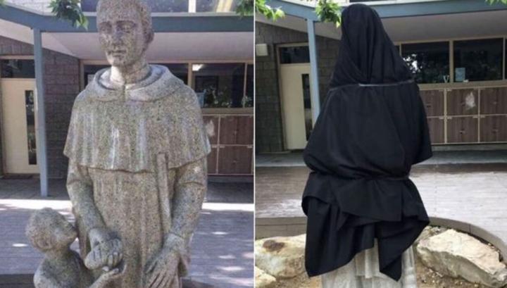 Статую святого пришлось закрыть покрывалом из-за двусмысленности