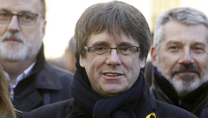 Испания передумала задерживать Пучдемона и его советников