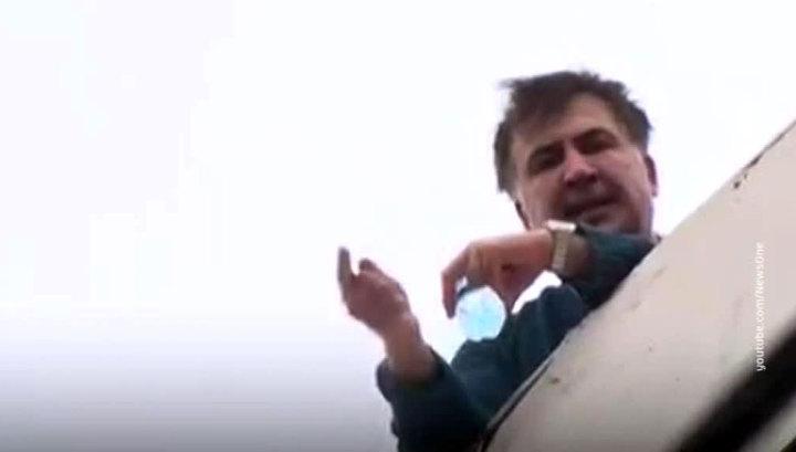 Михаилу Саакашвили на жизнь в Амстердаме дает деньги мама