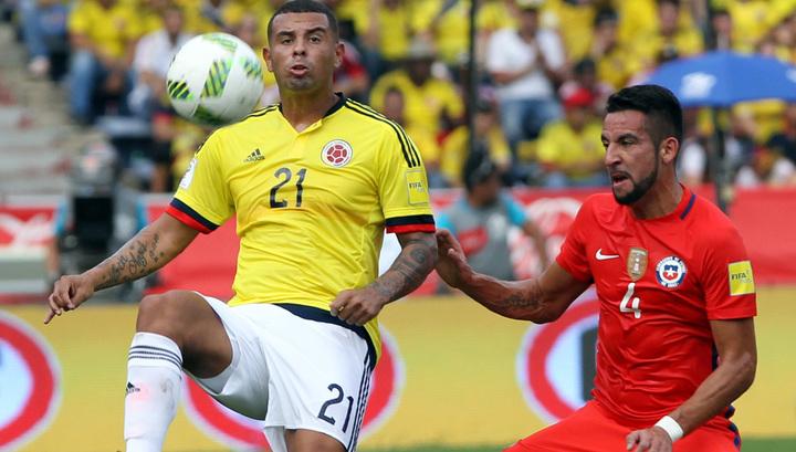 Колумбийский футболист дисквалифицирован за расистский жест