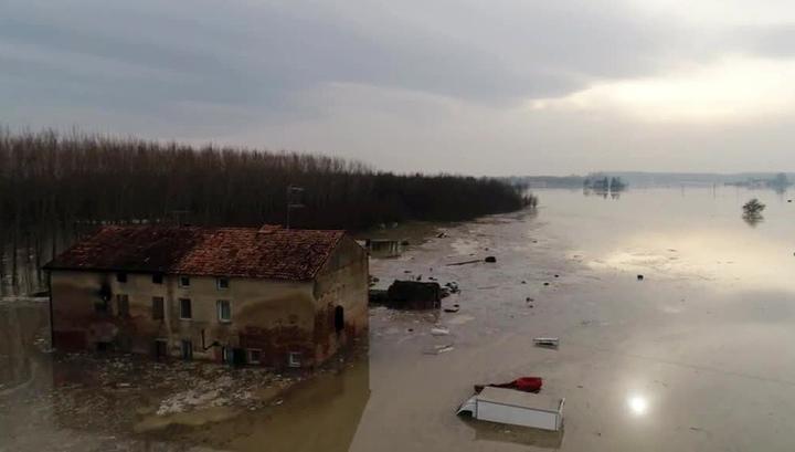 На севере Италии идет эвакуация