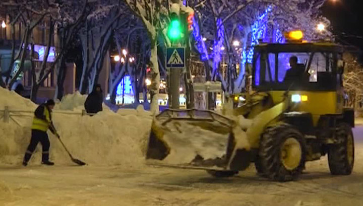На Сахалине восстановили прерванное из-за метели транспортное сообщение