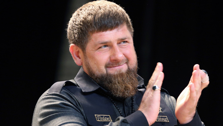 Парень, разозливший Кадырова, теперь убирает улицы Грозного