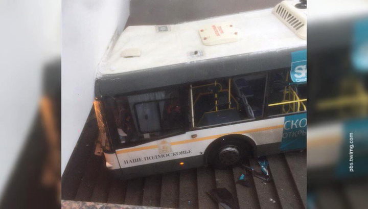 Въехавшему в подземный переход водителю автобуса дали четыре года колонии