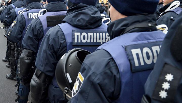 Во Львове сотни пассажиров эвакуировали из вокзала из-за звонка о бомбе