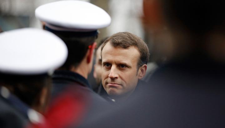 Добились? Премьер Франции готов запретить повышать налоги на бензин