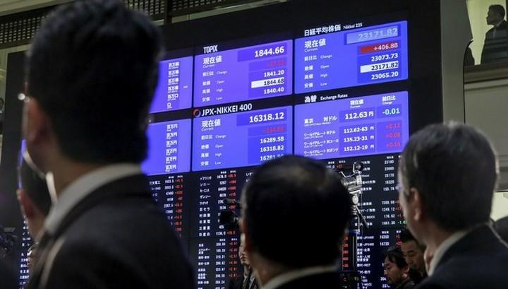 Акции Азии возобновили подъем