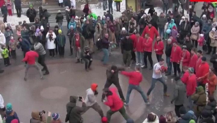 Британские СМИ выдали масленичные гулянья в России за зверскую тренировку ультрас