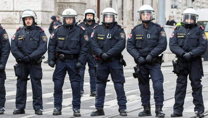 На улицы Вены вышли 20 тысяч противников нового кабмина