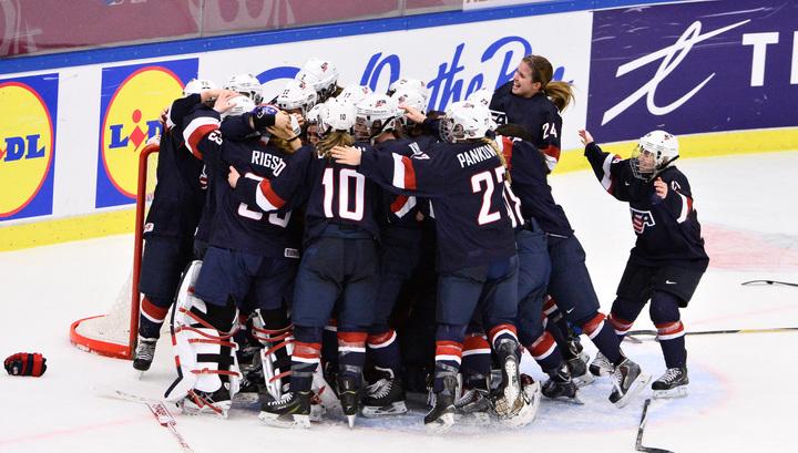 Американские хоккеистки выиграли молодежный чемпионат мира