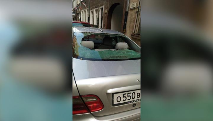 Гданьск: машину закидали камнями, когда россиянка сажала в нее ребенка