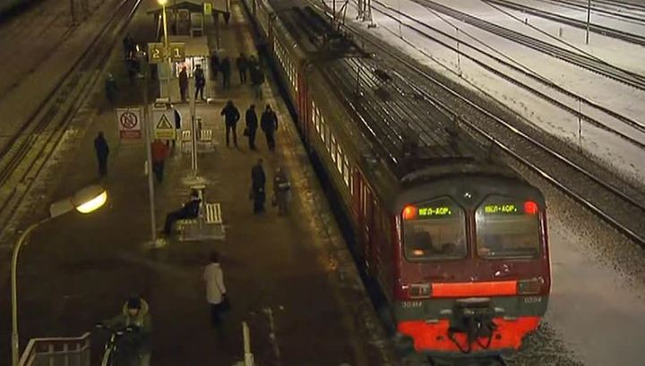 В Подмосковье под колесами поезда погиб второй человек за день