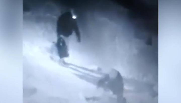 Двое мужчин жестоко избили прохожую в Челябинске из-за 850 рублей