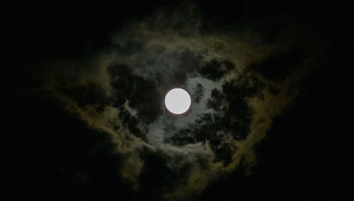 Фазы Луны никак не связаны с крупными землетрясениями