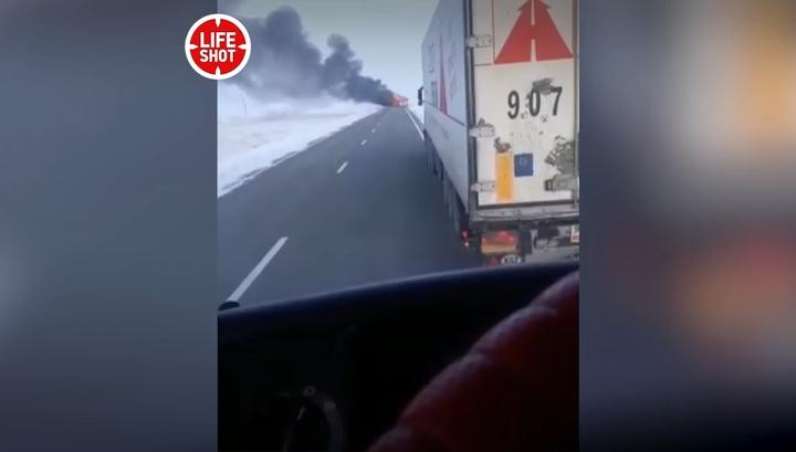 На западе Казахстана сгорел автобус. Погибли 52 человека