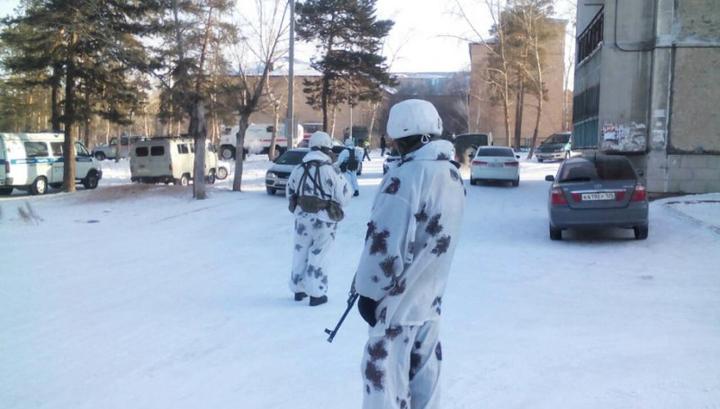 Подросток, напавший на школьников в Улан-Удэ, намеренно ранил себя