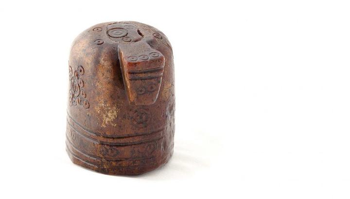 """В древнейшем городе Норвегии археологи нашли """"арабскую"""" шахматную фигуру"""