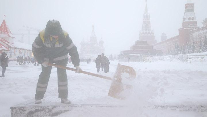Москва откапывается из-под снега: выпало 125% месячной нормы осадков