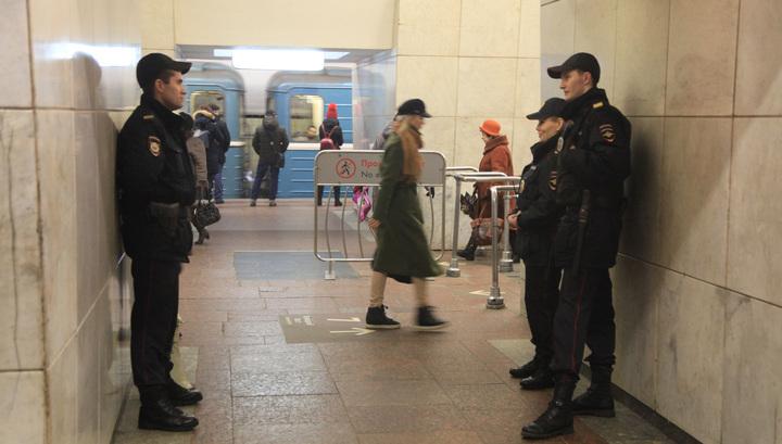 Из-за инцидента с пассажиром стоит фиолетовая ветка московского метро