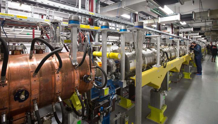 В ЦЕРН впервые измерили массу переносчика слабого взаимодействия