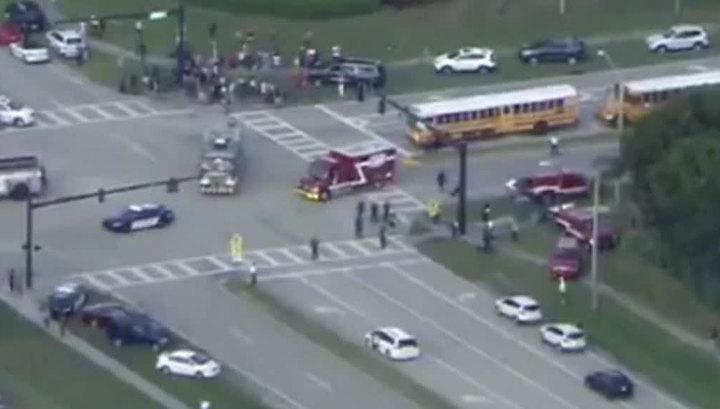 Стрельба во Флориде: один из школьников публикует фото с места событий