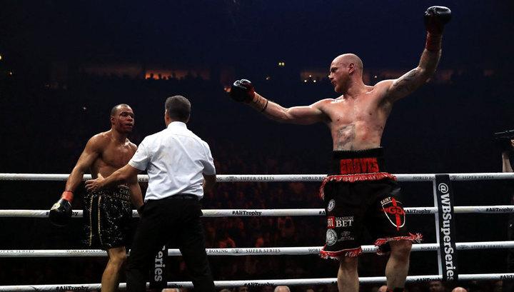 Гроувс победил Юбенка-младшего и вышел в финал Всемирной суперсерии бокса