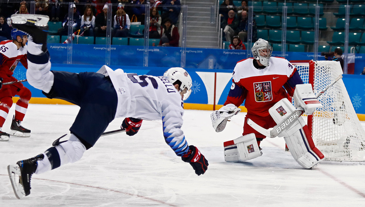 Сборная Чехии стала первым полуфиналистом Игр в хоккее