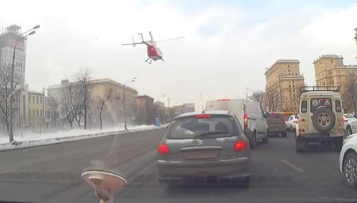 ДТП на Ленинградском проспекте: пострадавшего подростка эвакуировали вертолетом