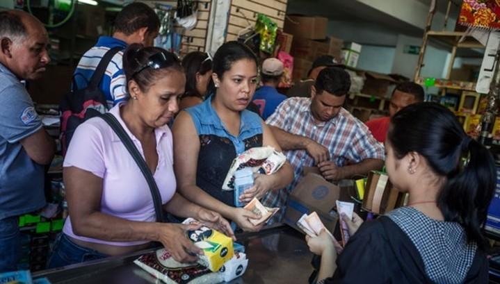 Инфляция в Венесуэле превысила 6000%