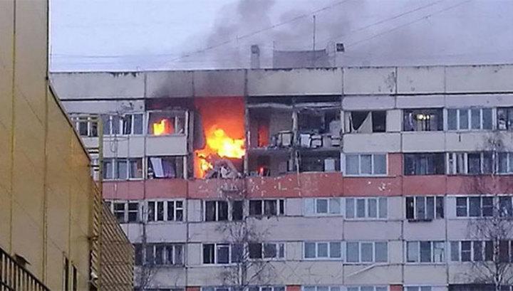 Взрыв в Петербурге: разрушены стены верхних этажей